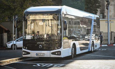 Primul autobuz electric românesc este în teste la Sibiu, pe traseele circulate de elevi