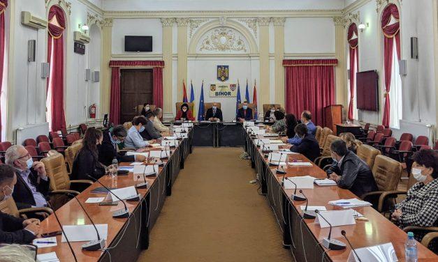 Instruire a secretarilor generali de primării, la Instituţia Prefectului Bihor
