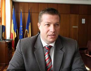 Prefectul de Harghita solicită primăriilor o evaluare privind sprijinul acordat tinerilor pentru construirea unei locuinţe