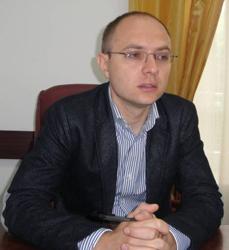Primarul municipiului Botoşani anunţă majorarea taxei de salubritate şi a celei pentru concesionarea locurilor de parcare