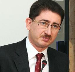 Bogdan Chiriţoiu: Autorităţile locale pot să-şi facă propriile firme; problema e când firma municipalităţii preia toată piaţa