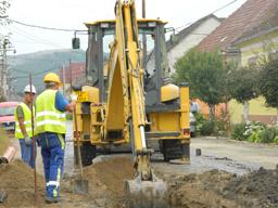 Comisia Europeană alocă fonduri de 110,5 milioane euro pentru sistemul de apă şi canalizare în nord-vestul României