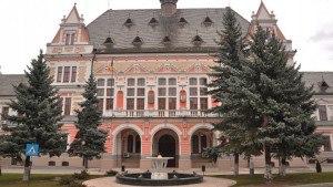 Cultele au primit 63% din banii nerambursabili alocaţi de Consiliul Judeţean Hunedoara
