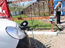 Primăria Oradea va monta în municipiu staţii de încărcare pentru vehiculele electrice