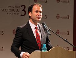 Primarul Sectorului 3, Robert Negoiţă, propune o cotă unitară de impozitare a clădirilor