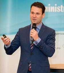 Robert Negoiţă îşi doreşte că numărul blocurilor reabilitate din sector să ajungă la 1.200 în acest an