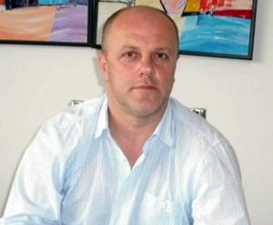 Primarul Reşiţei a semnat primele contracte pentru anveloparea blocurilor