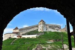 Cetatea Râşnov va fi restaurată printr-un proiect european de 16 milioane lei