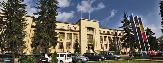 Primarul municipiului Roman protestează faţă de alocările financiare insuficiente primite de la Consiliul Judeţean Neamţ